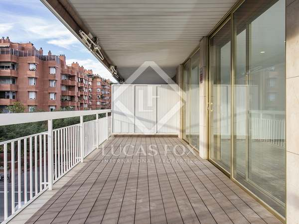 Piso de 155m² con 25m² de terraza, en alquiler en Sarrià