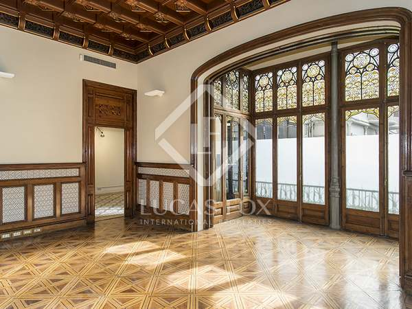 Spectacular principal floor property to buy, Plaça Catalunya