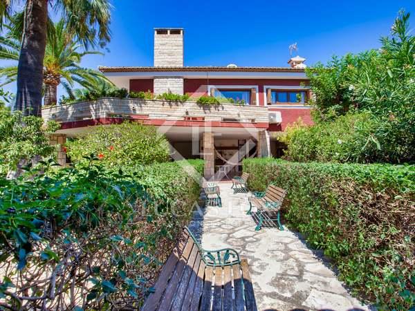 500m² House / Villa for sale in Playa San Juan, Alicante