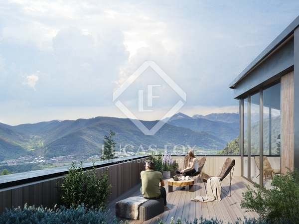 583m² House / Villa with 111m² garden for sale in La Massana