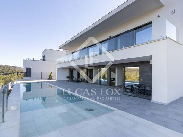 295 m² villa for sale in Sant Pere Ribes, Sitges