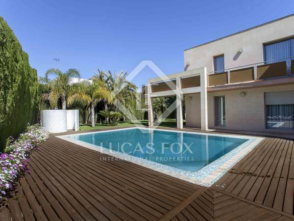 537 m² house for rent in Godella, Valencia