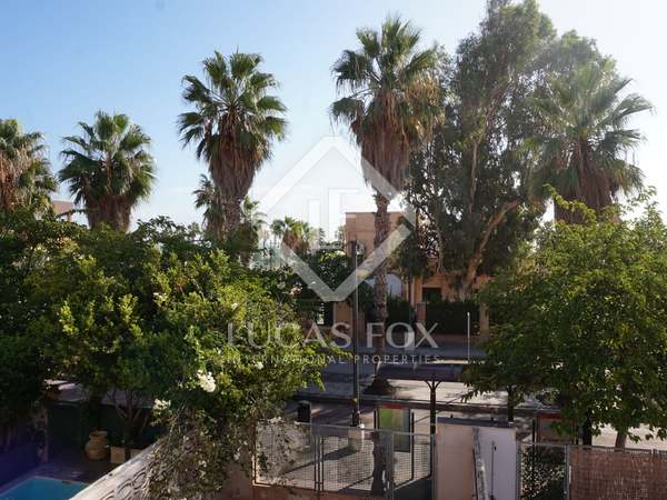 174m² House / Villa with 105m² terrace for rent in Playa de la Malvarrosa
