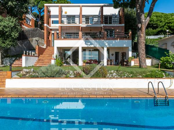 450m² House / Villa for rent in Teià, Maresme