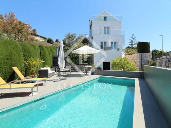 286m² House / Villa with 354m² garden for sale in East Málaga