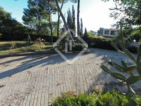 Perceel van 720m² te koop in Castelldefels, Barcelona