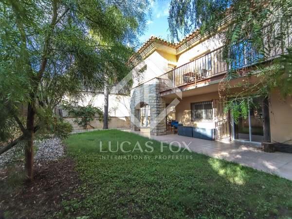 Villa de 400m² en venta en Vilanova i la Geltrú