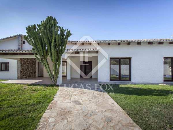 230 m² villa with 800 m² garden for sale in La Eliana