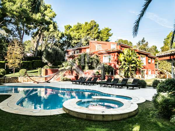 Luxury villa for sale in Santa Bárbara, Rocafort