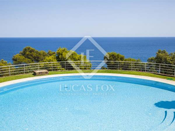 First line property for sale on the Costa Brava