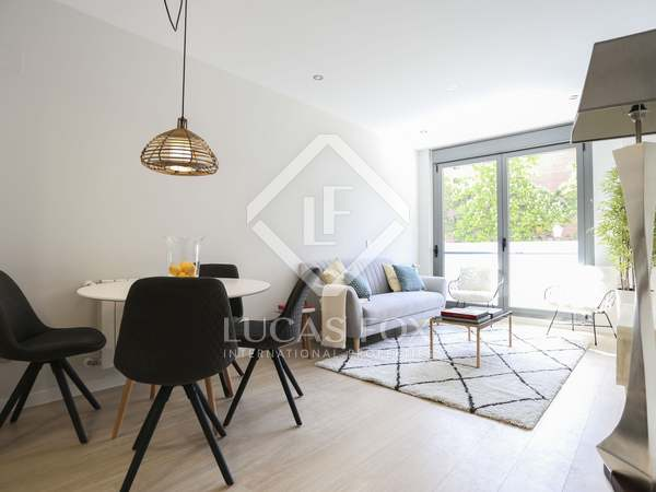 80m² Apartment for sale in Embajadores, Madrid