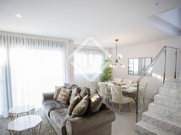 220m² House / Villa with 40m² terrace for sale in Alicante ciudad