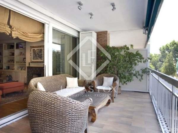 Apartamento en venta en Tres Torres, Zona Alta de Barcelona.