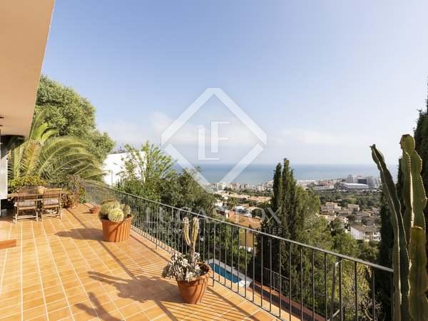Huis / Villa van 211m² te koop met 200m² terras in Levantina