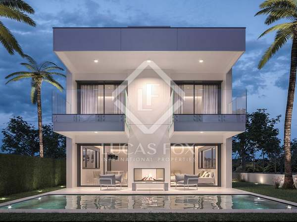 346m² House / Villa with 118m² garden for sale in Puerto Banús