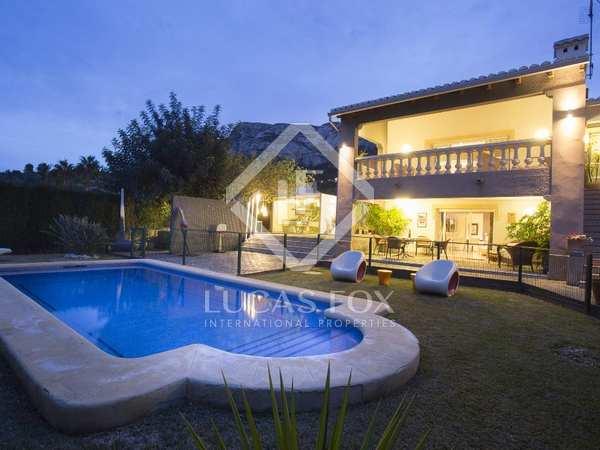 280 m² villa for sale in Denia, Costa Blanca