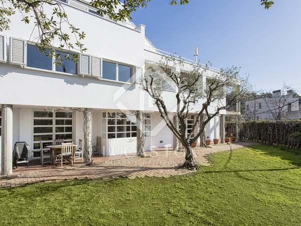 430m² Hus/Villa med 570m² Trädgård till uthyrning i Gràcia