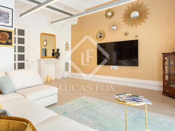 185 m² apartment with terrace for sale in Sant Gervasi