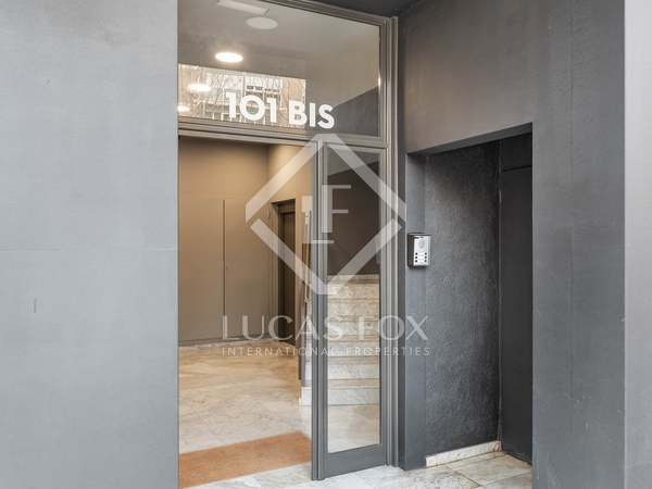 71m² Apartment with 120m² terrace for sale in Poble Sec