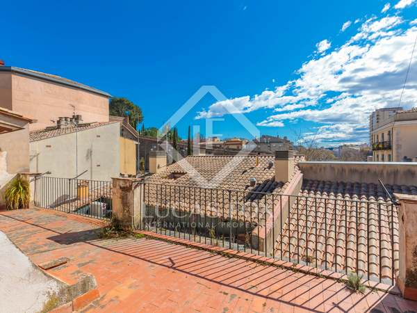 352 m² house for sale in Girona City