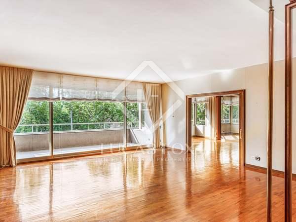 在 Tres Torres, 巴塞罗那 345m² 出售 房子 包括 11m² 露台