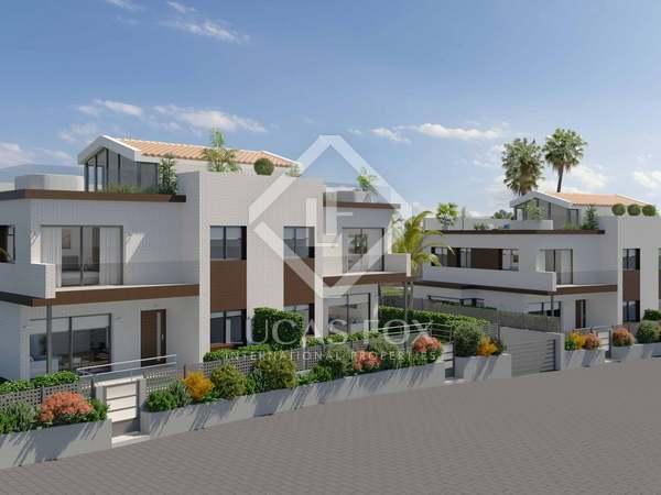 Huis / Villa van 328m² te koop in Montgat, Barcelona