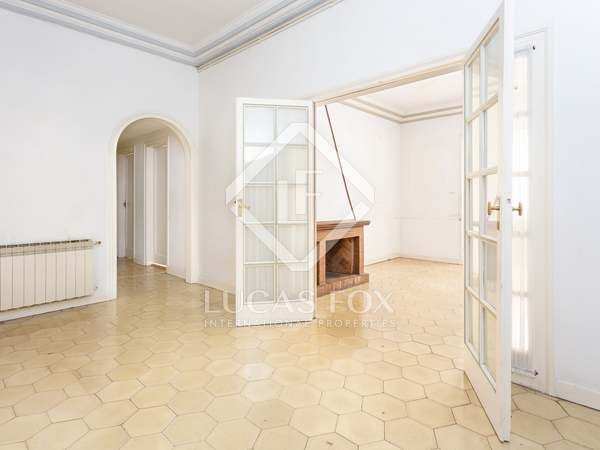 100 m² apartment for sale in Les Corts, Barcelona
