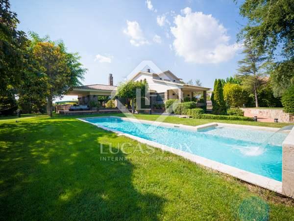 Huis / Villa van 317m² te koop met 1,329m² Tuin in Sant Cugat