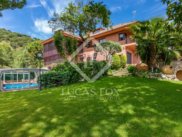 587m² House / Villa for sale in Premià de Dalt, Maresme