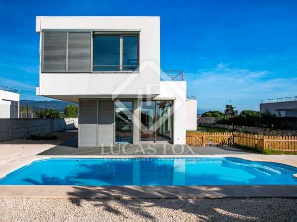 357m² House / Villa for sale in Arenys de Mar, Maresme