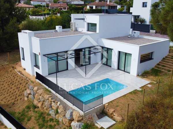 212m² House / Villa for sale in Santa Cristina, Costa Brava