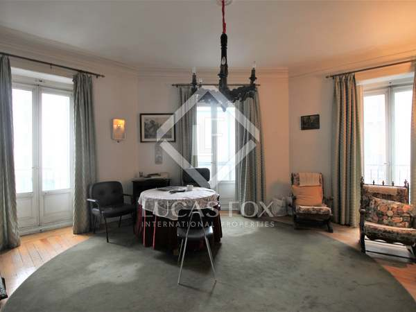 270 m² apartment for sale in Justicia, Madrid
