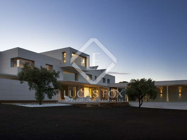 700m² Haus / Villa zum Verkauf in Ciudalcampo, Madrid
