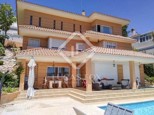 400m² House / Villa for sale in East Málaga, Málaga