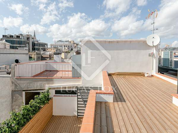 72m² Penthouse with 40m² terrace for sale in El Born