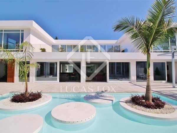 Дом / Вилла 1,300m² на продажу в Сан Педро де Алькантара / Гуадальмина