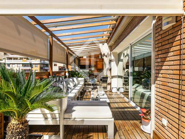 146m² Penthouse with 88m² terrace for sale in Les Corts