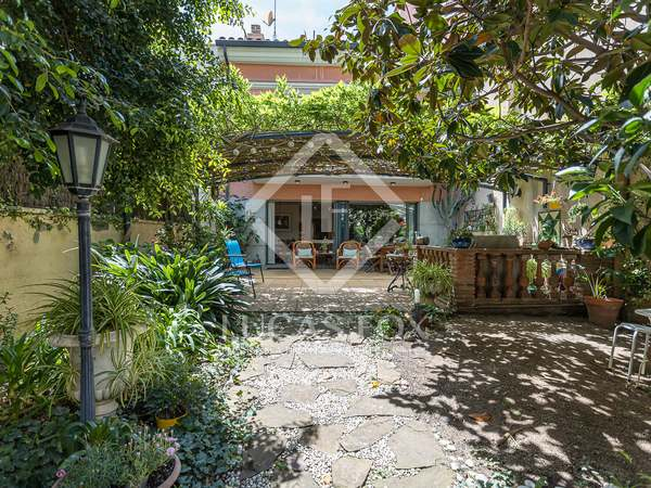 287m² House / Villa with 183m² garden for sale in Gràcia