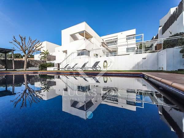 Huis / Villa van 318m² te koop in Calafell, Tarragona