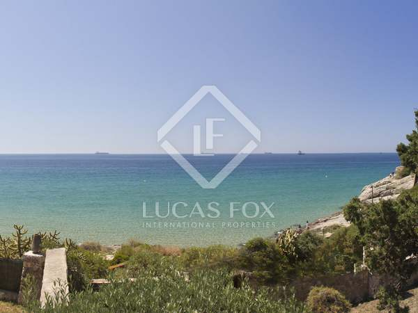 1,870m² Plot for sale in Antibes, Tarragona