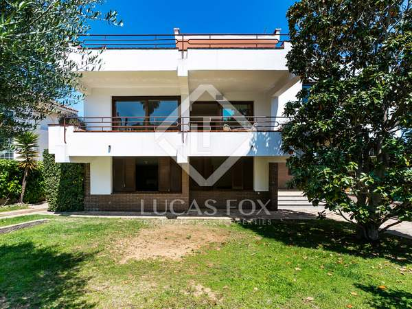 500m² House / Villa for sale in El Masnou, Maresme