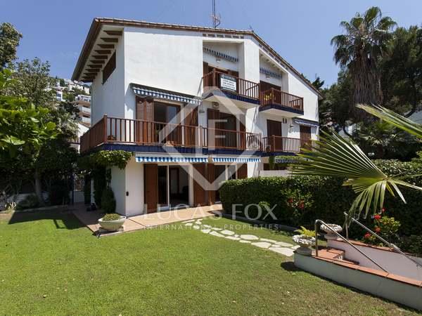 Casa / Villa di 200m² con giardino di 150m² in vendita a Levantina