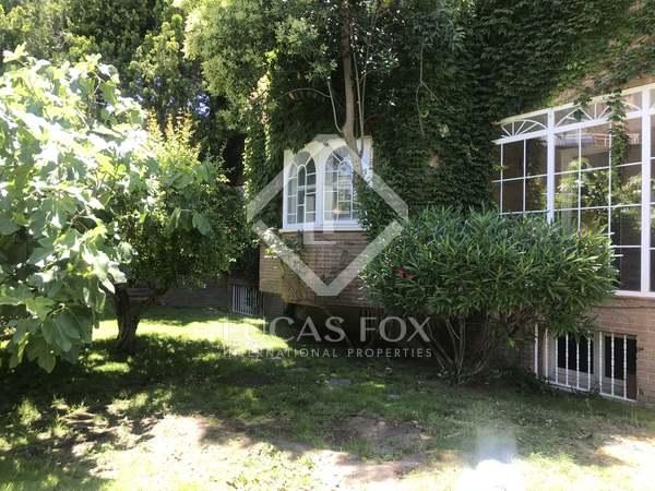 Huis / Villa van 343m² te koop met 496m² Tuin in Pozuelo