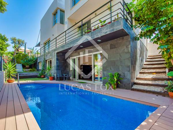 382m² House / Villa with 60m² garden for sale in golf