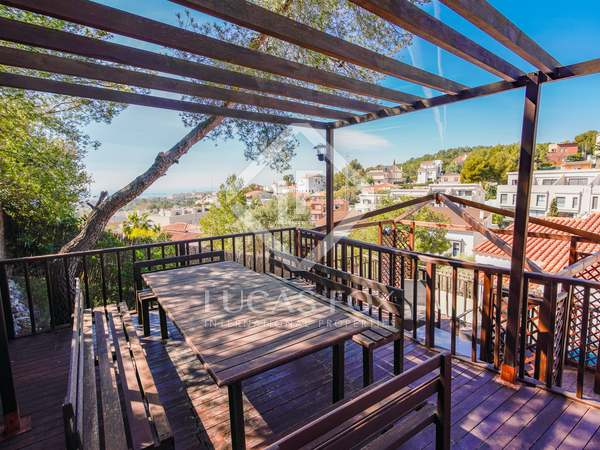 185m² House / Villa for sale in Levantina, Barcelona