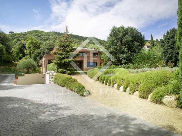 Huis / Villa van 570m² te koop in Vallromanes, Maresme