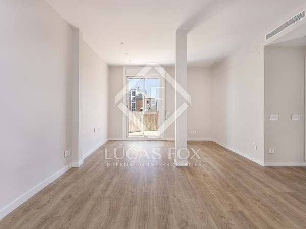 Attico di 90m² con 27m² terrazza in affitto a Eixample Destro
