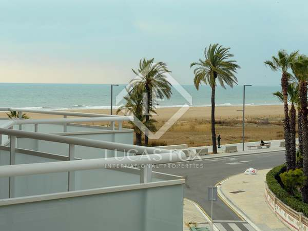 90m² Apartment with 25m² terrace for sale in Castelldefels