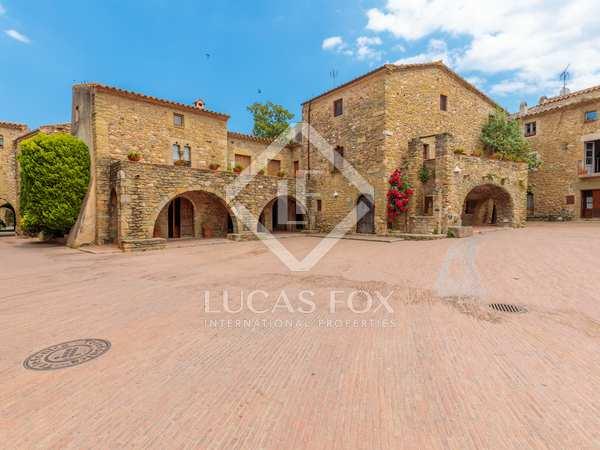 Casa de 600m² con 100m² terraza en venta en Baix Empordà