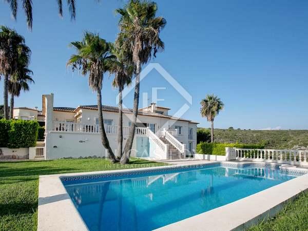 Дом / Вилла 412m² на продажу в Dénia, Costa Blanca
